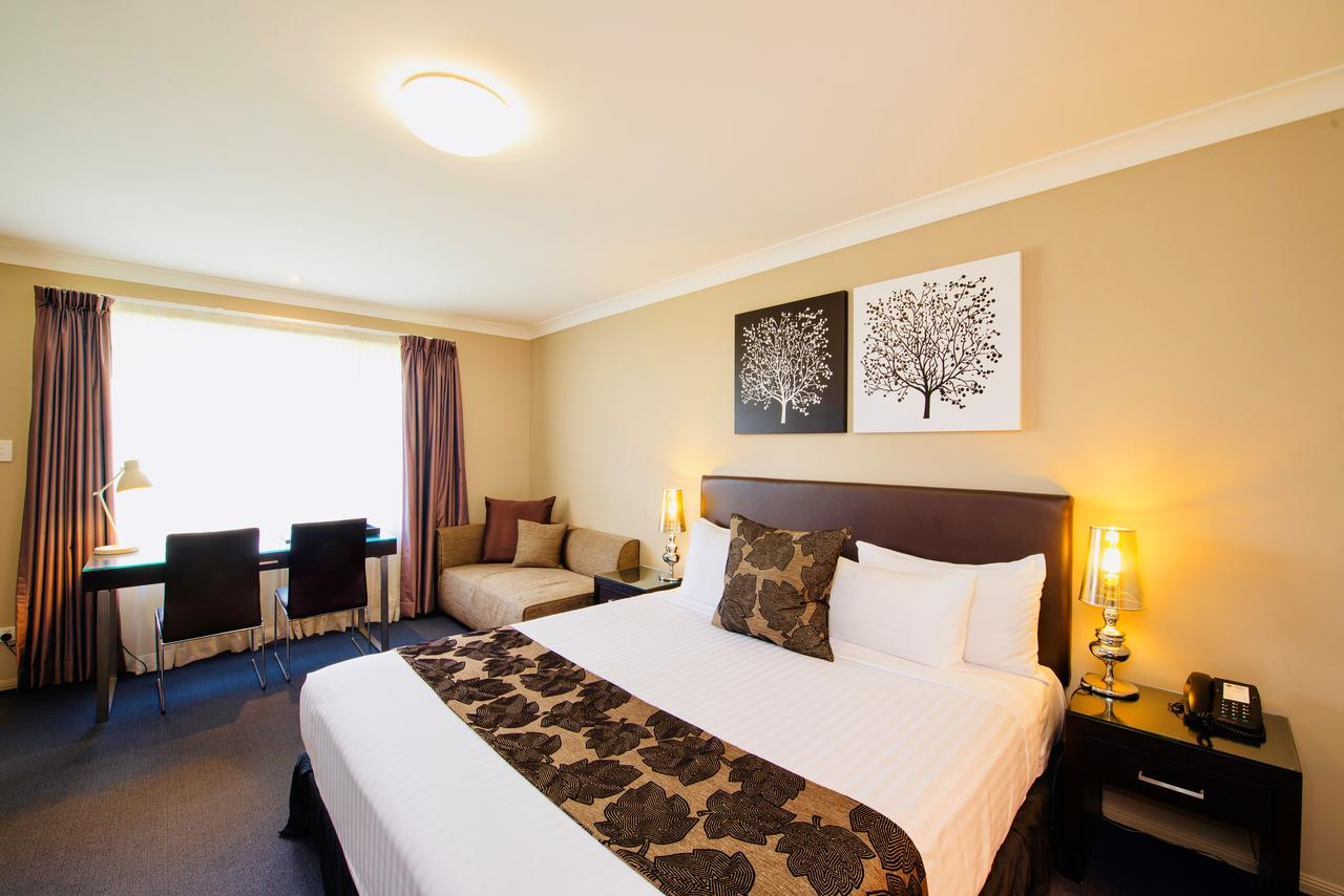Best Western Plus Ambassador On Ruthven Motor Inn - Accommodation Fremantle